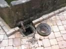 Abflußreinigungsaktion am Brunnen vor der alten kath. Kirche am 30.05 (8)
