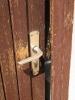 Ortstermin mit Raimund am 03.06.2015 eingetretene Tür bei öffentl. Toilette unter Edeka (4)