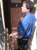 Ortstermin mit Raimund am 03.06.2015 eingetretene Tür bei öffentl. Toilette unter Edeka (8)